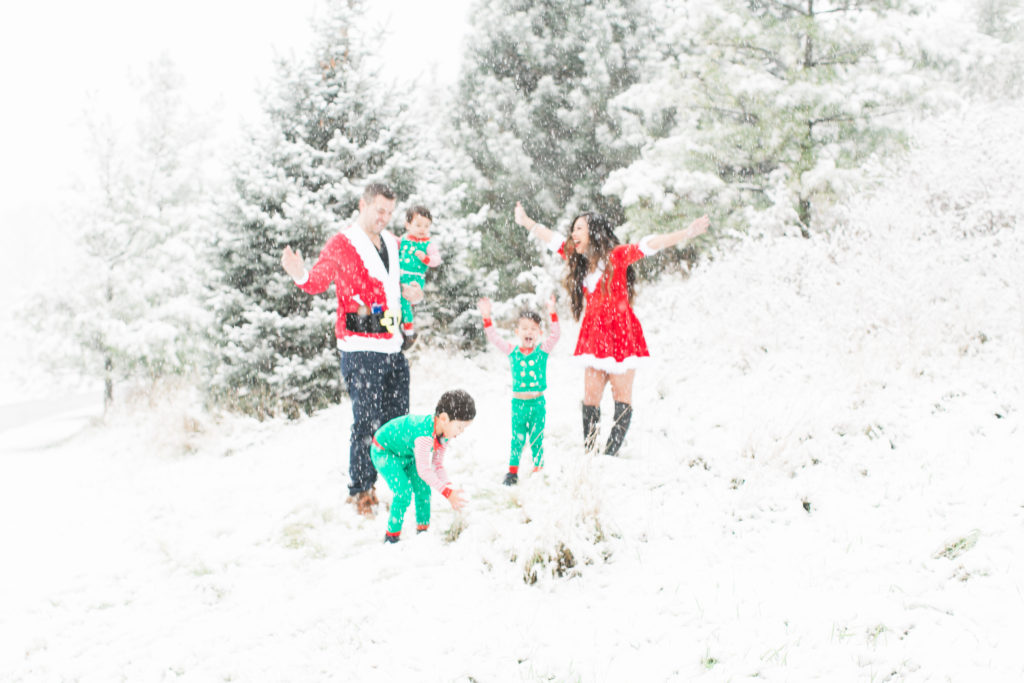 The Funniest Holiday Family Photos Ever